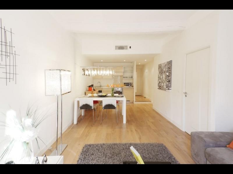 Vieux Nice dernier étage refait neuf prix: 238500 Euros