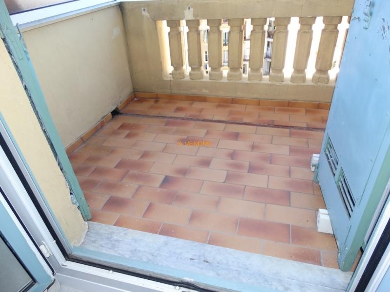 Superbe 2 pièces en dernier étage terrasse prix: 229.000 Euros
